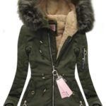 Zimní bunda v khaki barvě s kapucí 2 (W122)