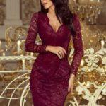 Dámské krajkové šaty v bordó barvě s dlouhými rukávy a výstřihem 170-5