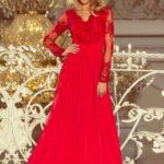 Dlouhé červené dámské šaty s dlouhými rukávy a vyšívaným výstřihem 213-3 ARATI