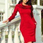 Teplé červené dámské šaty s kapsami a rolákem 131-9