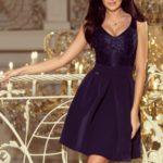 Tmavě modré dámské šaty s krajkovým výstřihem a kontra záhyby 208-1