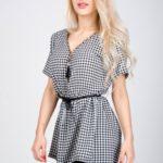 Dámské kárované šaty s krátkými rukávy, krajkou a páskem