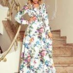 Dámské maxi šaty s volánkem, výstřihem a se vzorem barevných růží a světle modrých ptáčků 245-1