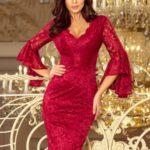 Krajkové dámské šaty v bordó barvě s rozšířenými rukávy 234-1