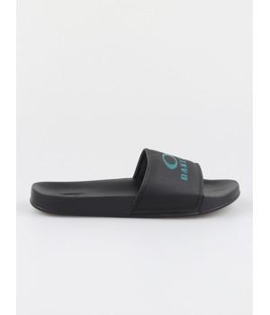 pantofle-oakley-ellipse-slide-cerna.jpg