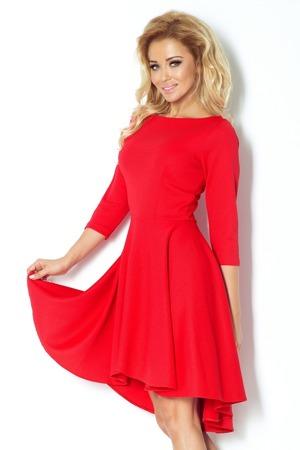 cervene-damske-saty-s-3-4-rukavy-a-delsim-zadnim-dilem-model-7763612.jpg