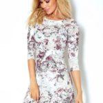 Dámské šaty se 3/4 rukávy a květinovým vzorem v bordó barvě 88-13