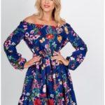 Květované dámské šaty se stahovacími lemy a volánkem