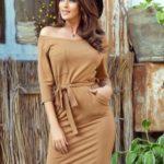 Dámské šaty v karamelové barvě s kapsičkou 278-3