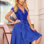 ANNA – Dámské šaty v chrpové barvě s výstřihem a krajkou 242-3