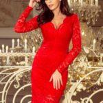 Červené dámské krajkové šaty s výstřihem a dlouhými rukávy model 7156520