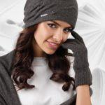 Dámský komplet šála + rukavice + čepice model 163781 tmavě šedá – Kamea