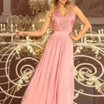 Dlouhé dámské šaty v pudrově růžové barvě bez rukávů a s vyšívaným výstřihem LEA 215-3