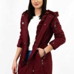 Dámská zimní bunda parka v burgundské barvě s kožíškem (XW807X)