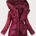 Asymetrická dámská prošívaná bunda v bordó barvě (7658BIG)