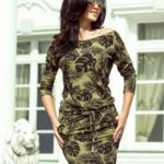 Dámské sportovní šaty v barvě khaki se vzorem kulatých listů model 6342256