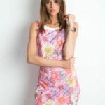 Květinové šaty s výstřihem vzadu růžové
