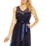 Dámské krajkové šaty na ramínka s páskem středně dlouhé tmavě modré – Tmavě modrá – MAYAADI
