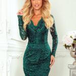 Dámské krajkové šaty v lahvově zelené barvě s dlouhými rukávy a s výstřihem 170-9