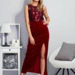 Dlouhé sametové šaty s rozparkem vínové PLUS VELIKOST