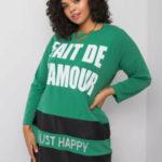 Zelené šaty s nápisy