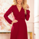 ISABELLE Dámské plisované šaty ve vínové bordó barvě s výstřihem a dlouhými rukávy 313-8