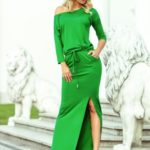 Zelené dámské sportovní maxi šaty s rozparkem 220-7