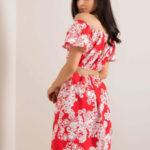 Červené španělské šaty se vzory