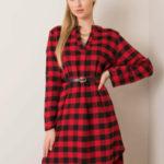 Červené a černé flanelové šaty