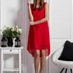 Červené dámské šaty s plisováním