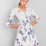 Dámské bílé šaty s květinovými vzory