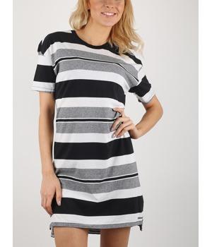 saty-converse-striped-tee-dress-cerna.jpg