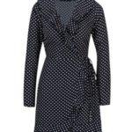 Tmavě modré puntíkované zavinovací šaty s volány Mela London