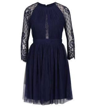 9dbc98479fa4 Tmavě modré tylové šaty s dlouhým krajkovým rukávem Little Mistress ...