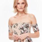 Top Secret šaty dámské dlouhé květované s odhalenými rameny